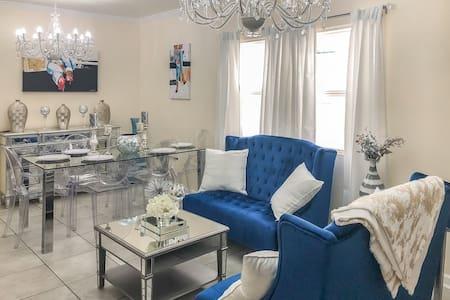 Elegant Home w/Pool 3BD 2BA 10Min French Quarter