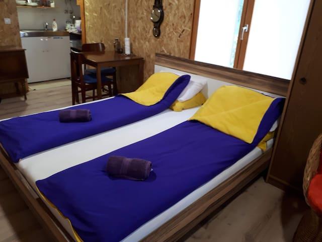 Veliki bracni krevet