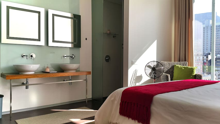 Room en-suite, Balcony in Penthouse