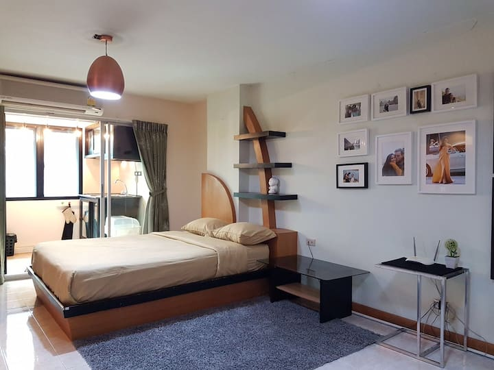 Cosy and comfortable apartment next to airport