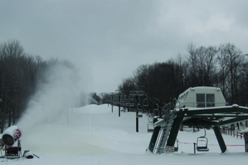 3 slopes, a tubing ring, and ice skating ring just around the lake. Rentals available!