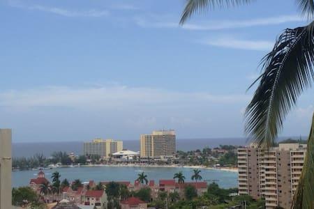 Newly renovated Ocean View Condo - Ocho Rios