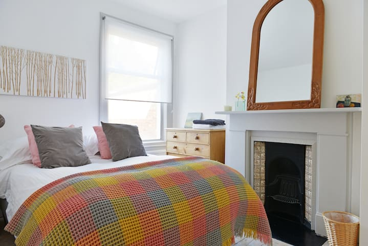 Central, Camden, Hampstead Dbl Room - Londen