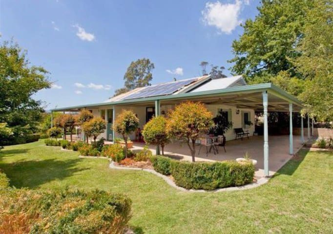 Lovely 3 bedroom home in historic Yackandandah