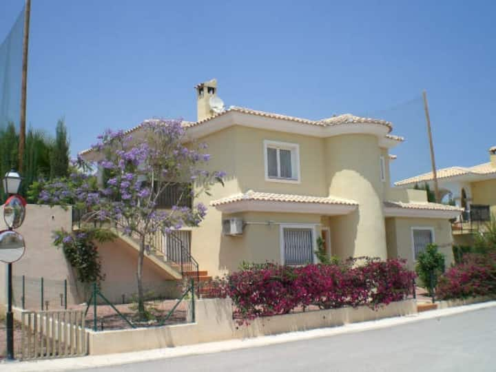 VILLA JACARANDA, POOL, GOLF, BEACH