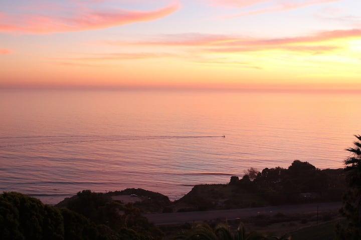 Fabulous Ocean Views at Malibu Dream Getaway