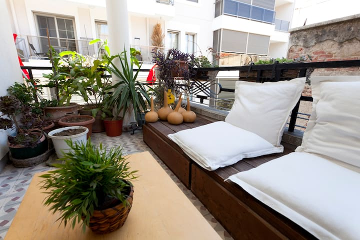 Comfortable, simple and central - Izmir - Apartmen