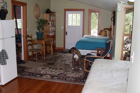 Studio on Orcas, close to the ferry - Orcas - 独立屋