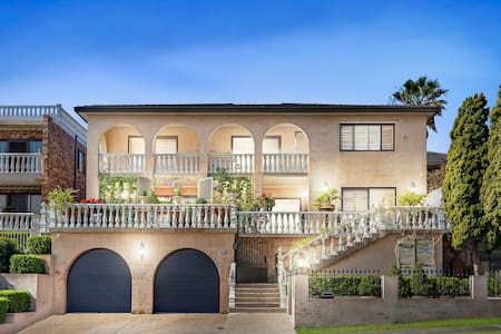 Grand mansion near beaches