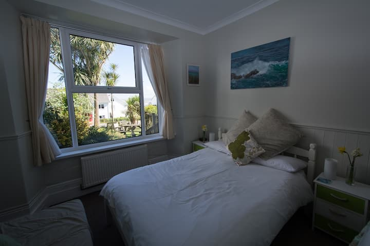 Woodsage, double room at Coast with parking