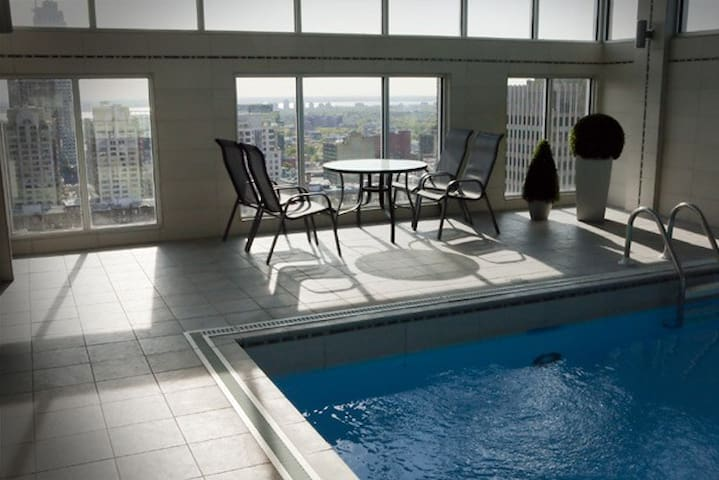 Luxury Apartment Downtown with Pool - Montreal - Apartment