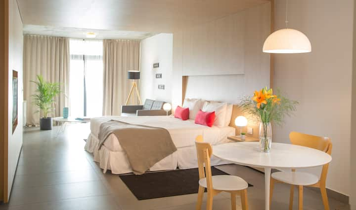 ★★★★★Brand New Boutique Balcony Suite in San Telmo