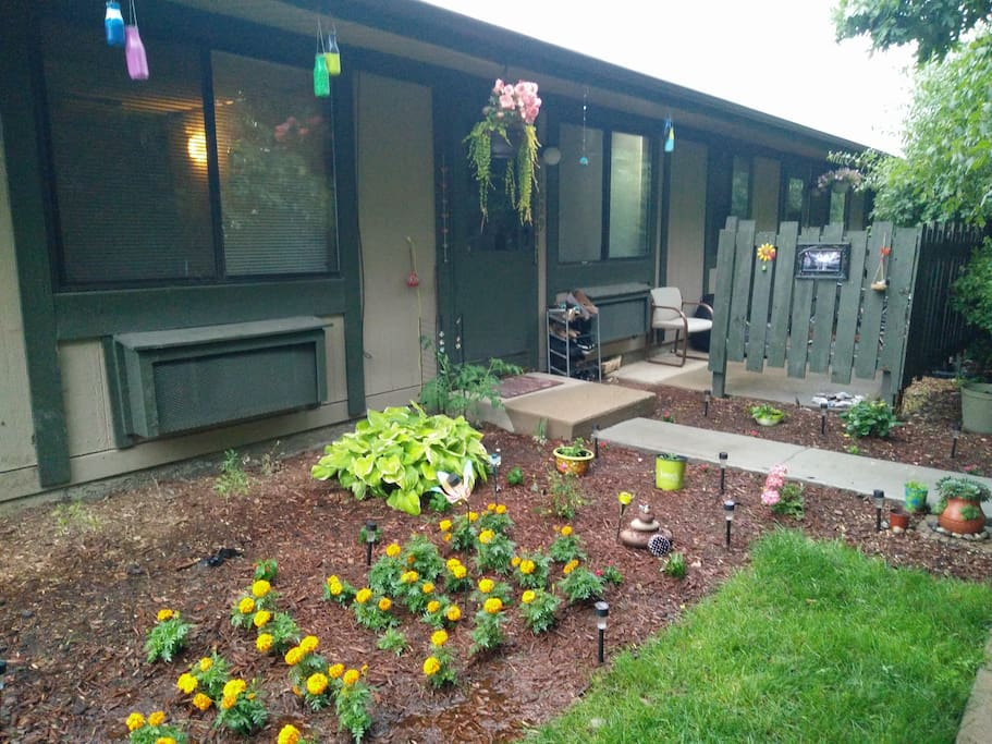 Cozy 2 Bedroom Place Close To Ann Arbor Downtown Apartments For Rent In Ann Arbor Michigan