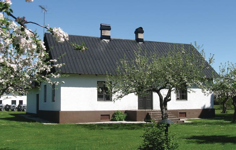 Holiday cottage with 4 bedrooms on 152 m² in Visby