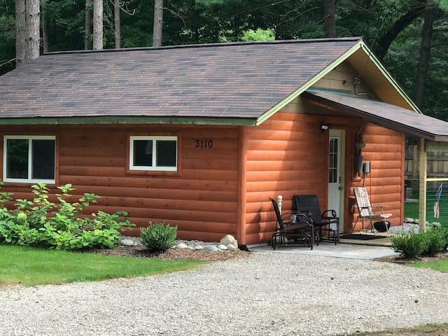 Newly remodeled cabin. Near Hodenpyl Dam.