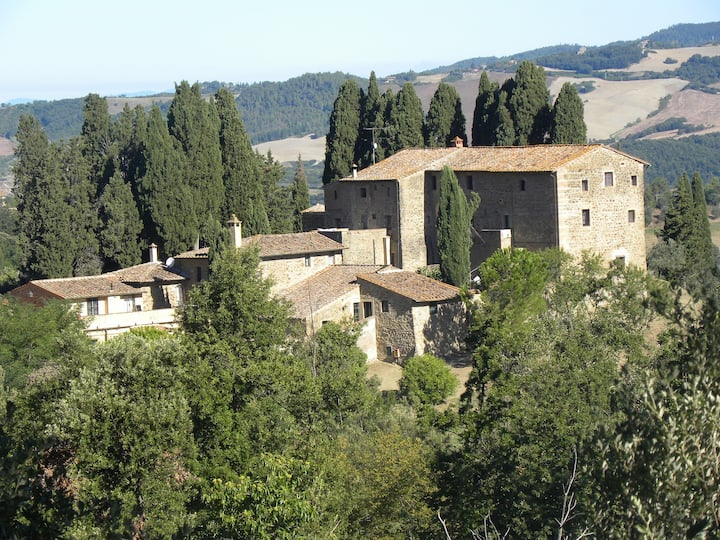 Real Tuscany on the hills of Siena and Volterra