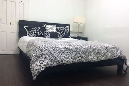 Cozy Apartment in the heart of Woodbrook, POS