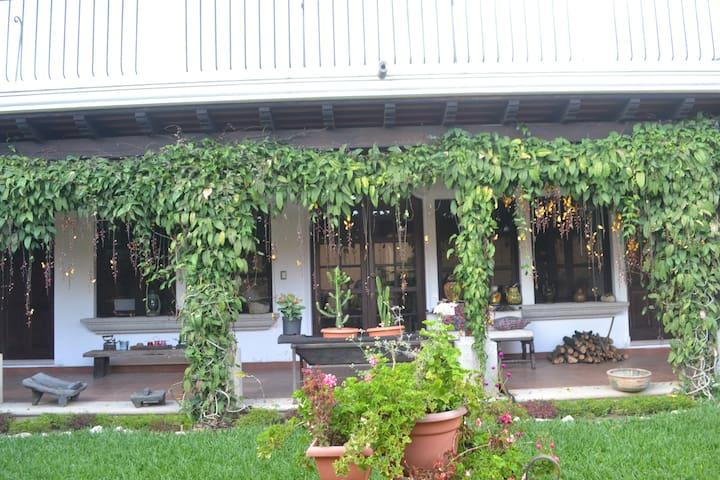 Private apartment close to Antigua !!