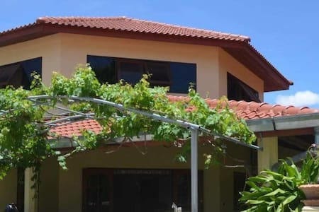Spacious property just 350 yards from the beach - Sattahip