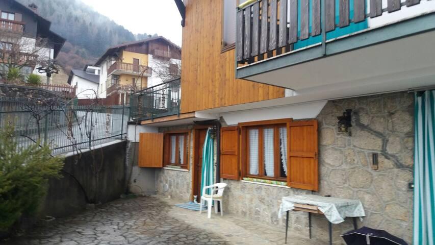 Castione centro - Appartamento in villa