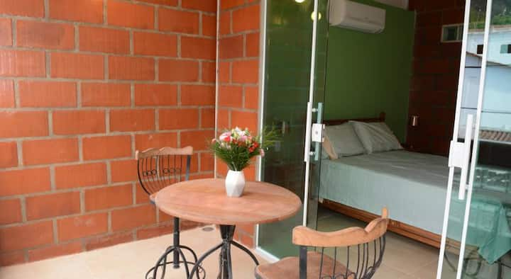 Suite with large balcony & view on Gigoia Island