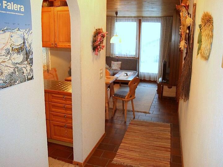 Casa Schumelins / Tittel, (Falera), 401, 2.5 room apartment