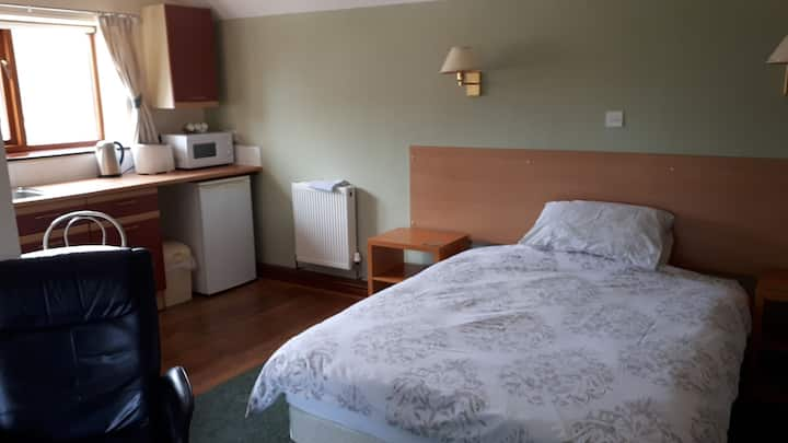 Double room, single occupancy, contract workers