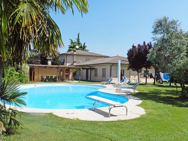 Holiday apartment Alessandra in Lonato del Garda
