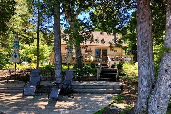 The Garden Cabin on Lake Fanny Hooe~Open All Year~