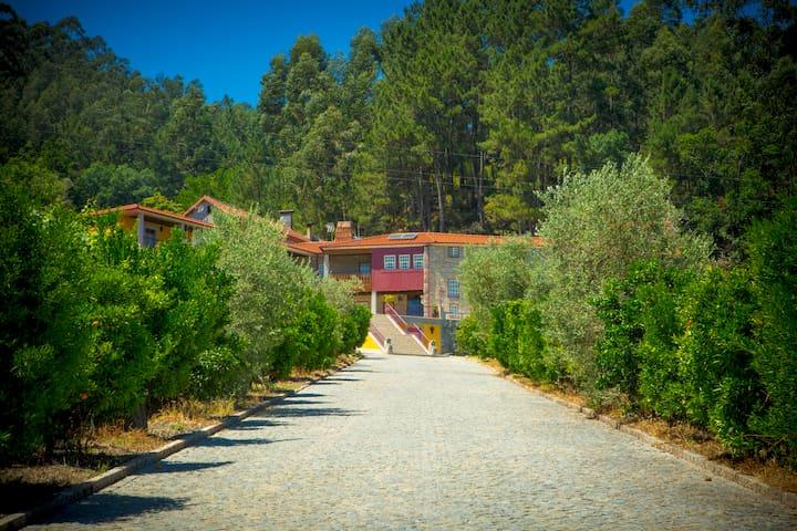Casa em quinta privada com 9 quartos (18 pessoas) - Vilela
