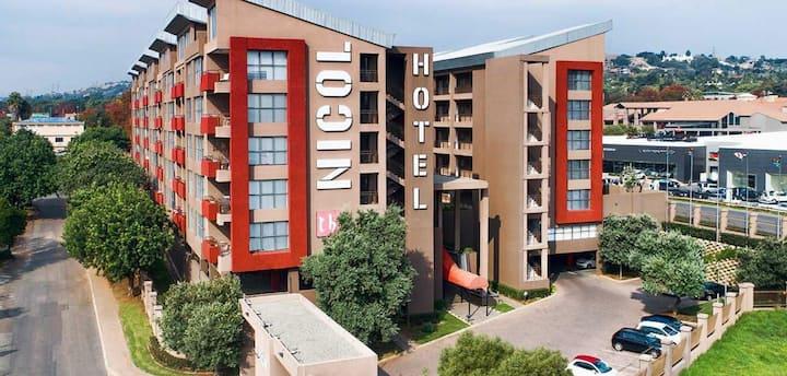 The Nicol hotel (Apt31.)