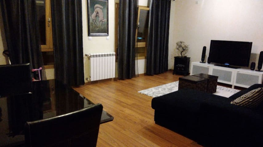 Apartment near by the Airport and center of Lisbon