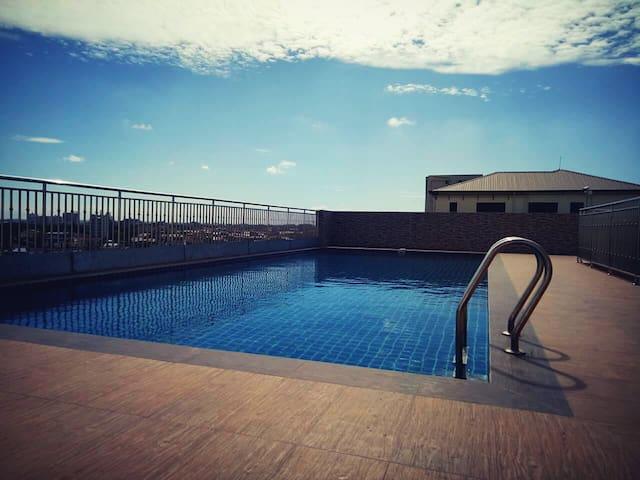 P&Y Sayarsan Condo, 3 Bedrooms with Pool and Gym