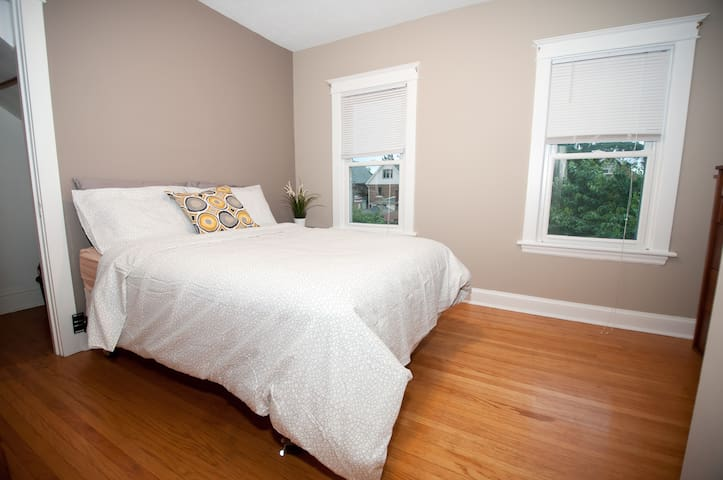 Spare bedroom with double bed for two