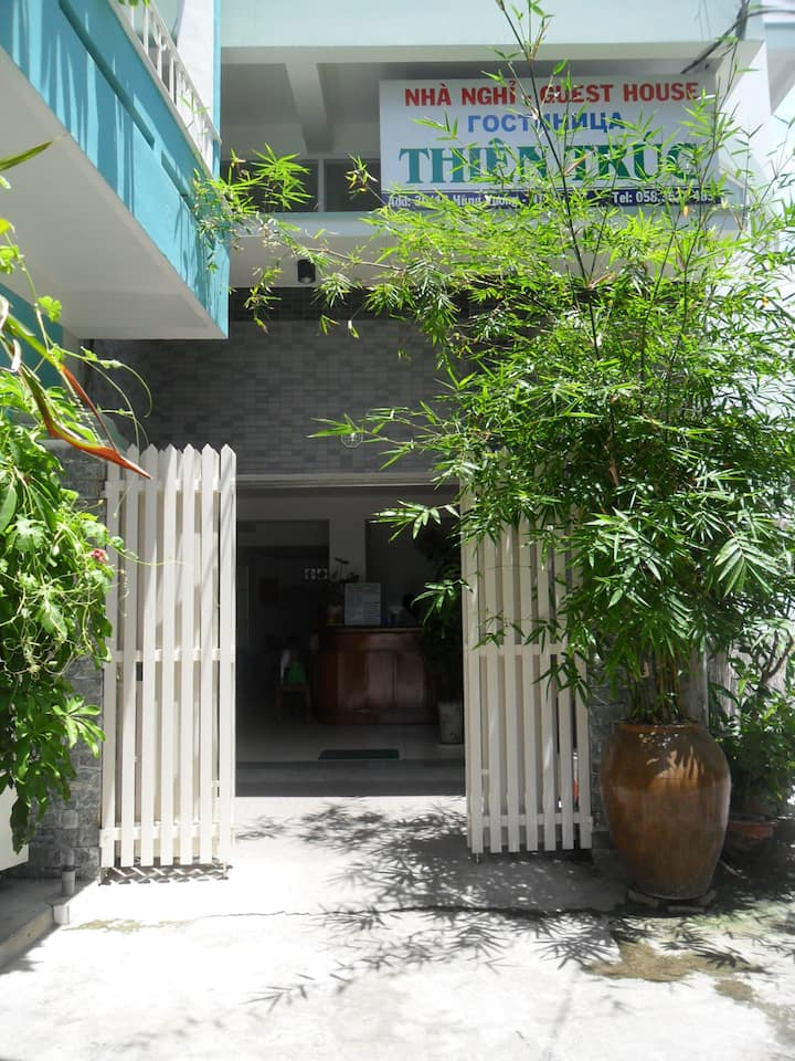 Affordable room 2 min to the beach