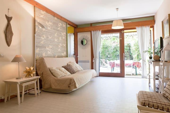 750 sq ft Duplex +  large terrace