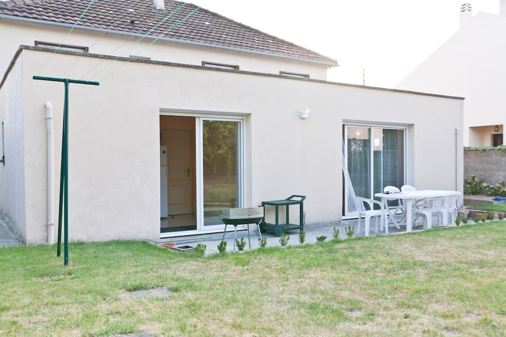 Agr able maison proche de nantes maisons louer saint for Location garage saint herblain