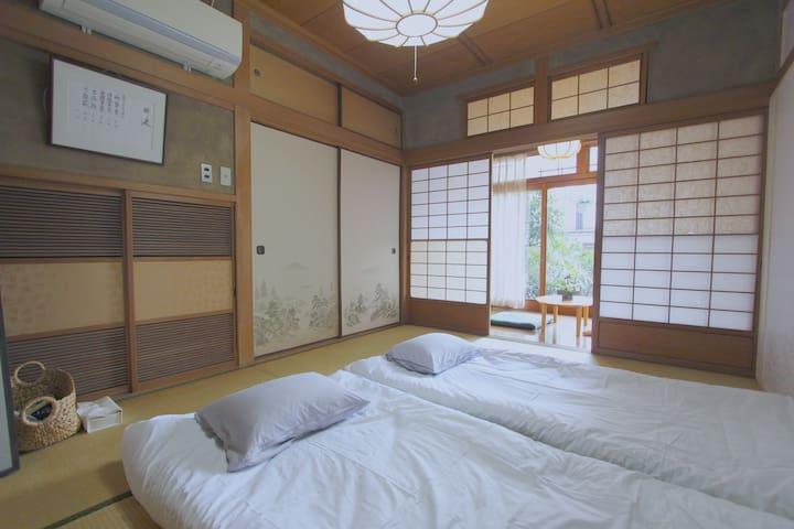 日本式畳のファミリールーム 102