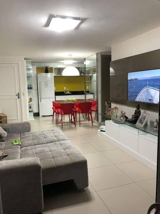 Sala de estar e jantar interna