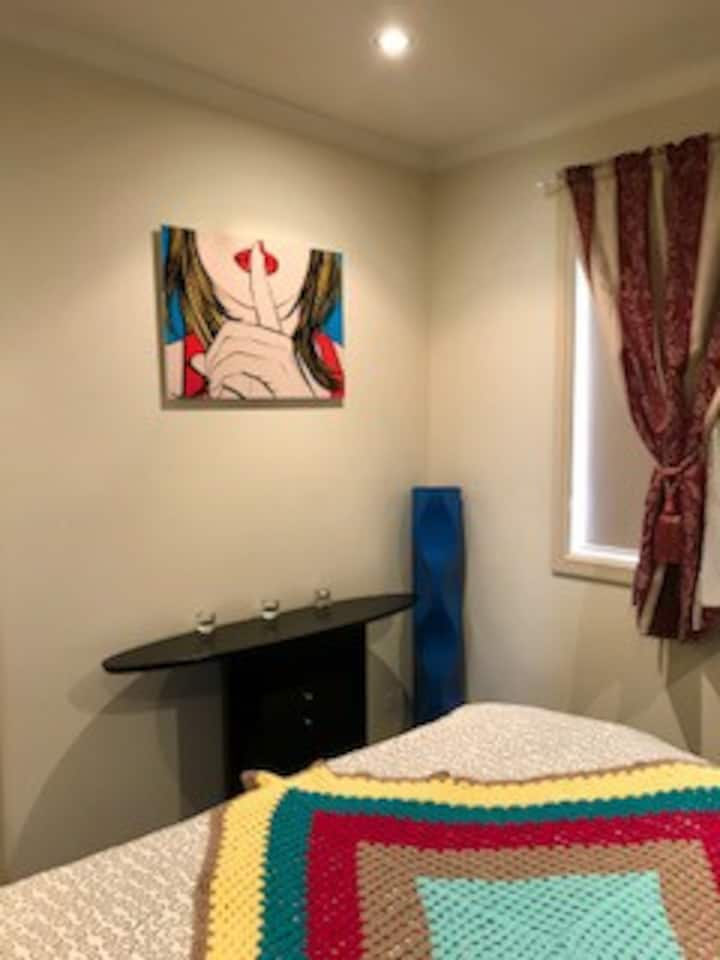 Pemulwuy Home with a quiet, cosy and luxury feel