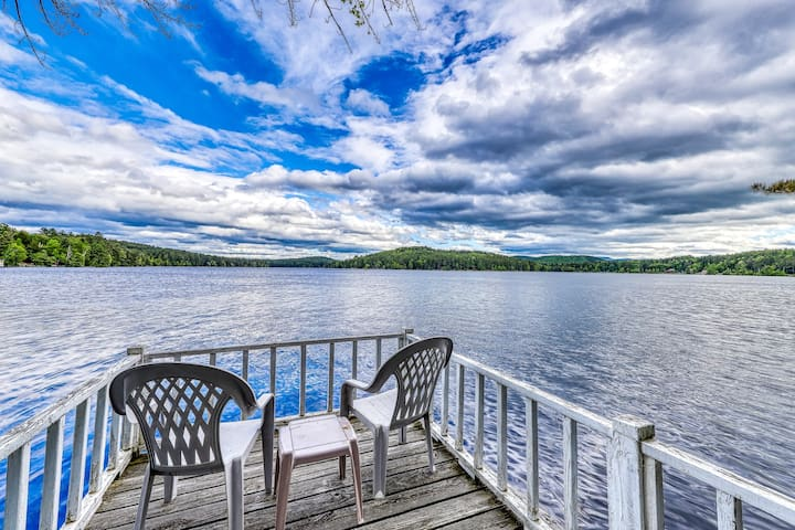 Lakefront cottage with screened gazebo, dock, 2 acres of space
