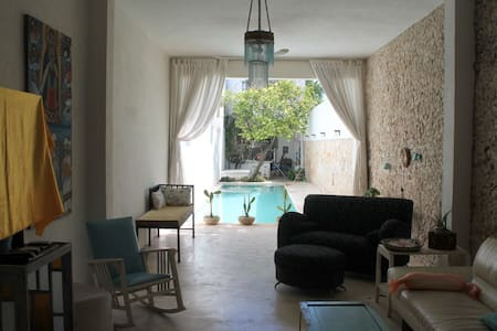 Designer House in Historic Neighborhood with Pool - Mérida - Maison