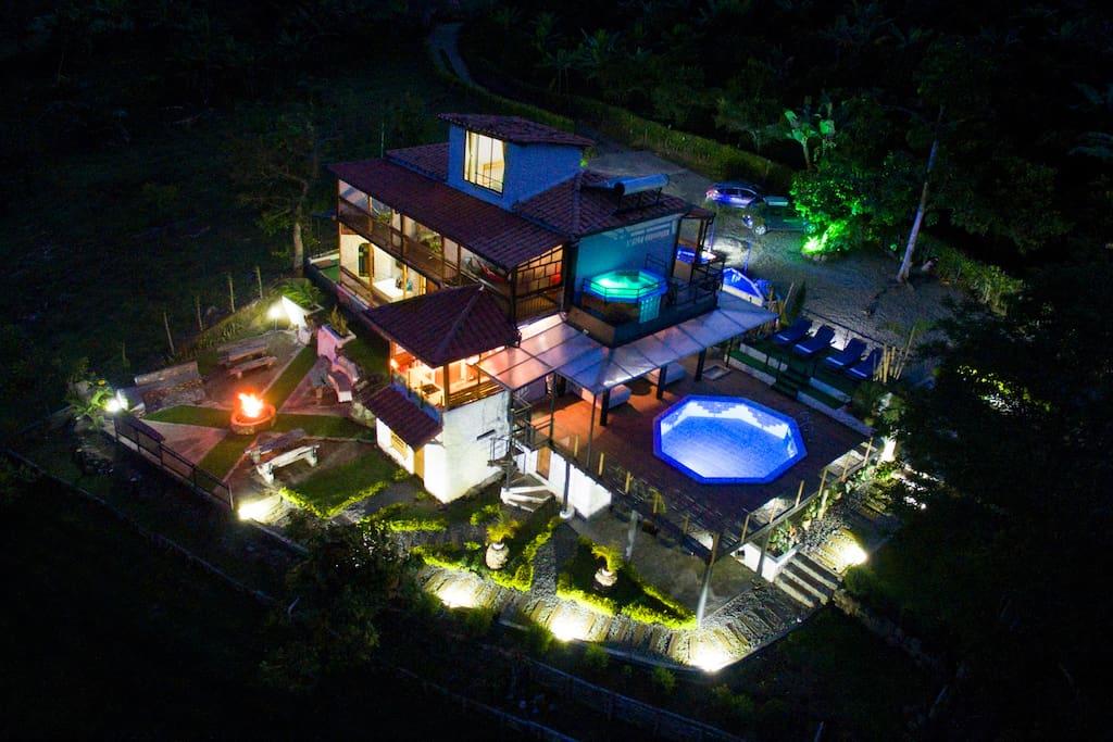 Vista aérea nocturna