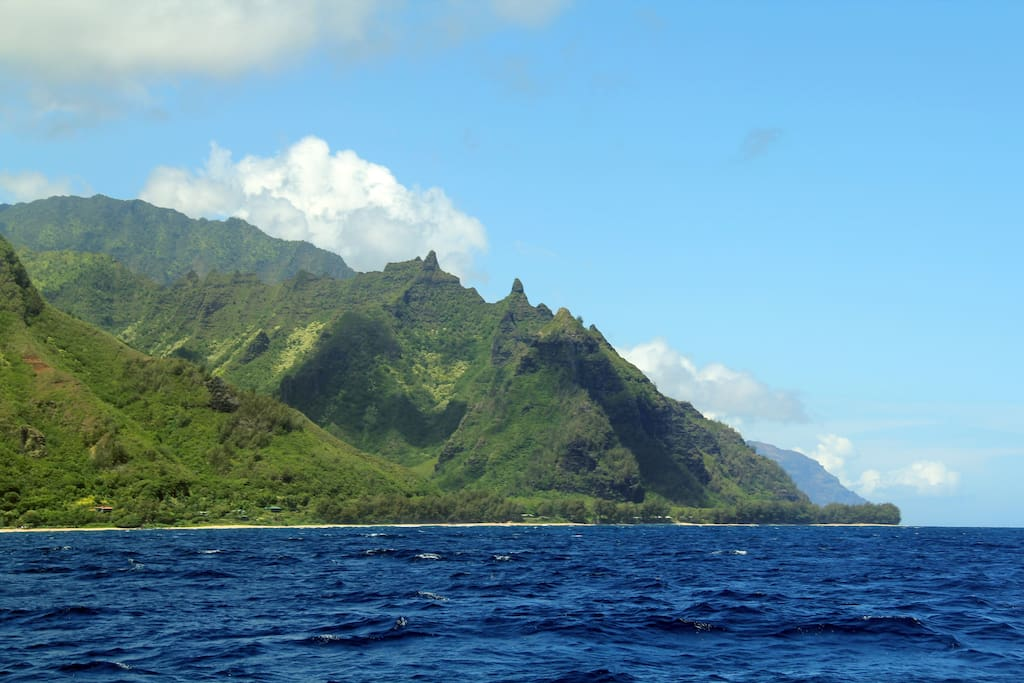 Haena - enjoy breathtaking views of the Na Pali coast just minutes from the house...