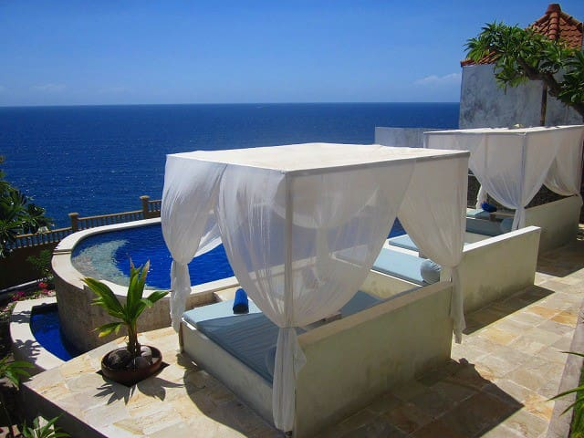 Stunning 180°Ocean view rooms &pool - Abang - Bed & Breakfast
