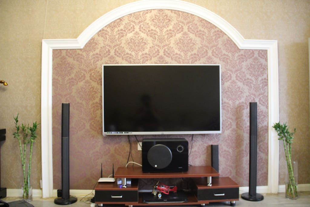 超大电视机加全套家庭影院