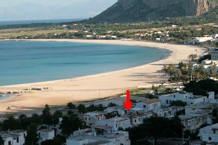 NICE VILLA ON THE BEACH - Сан-Вито Ло Капо
