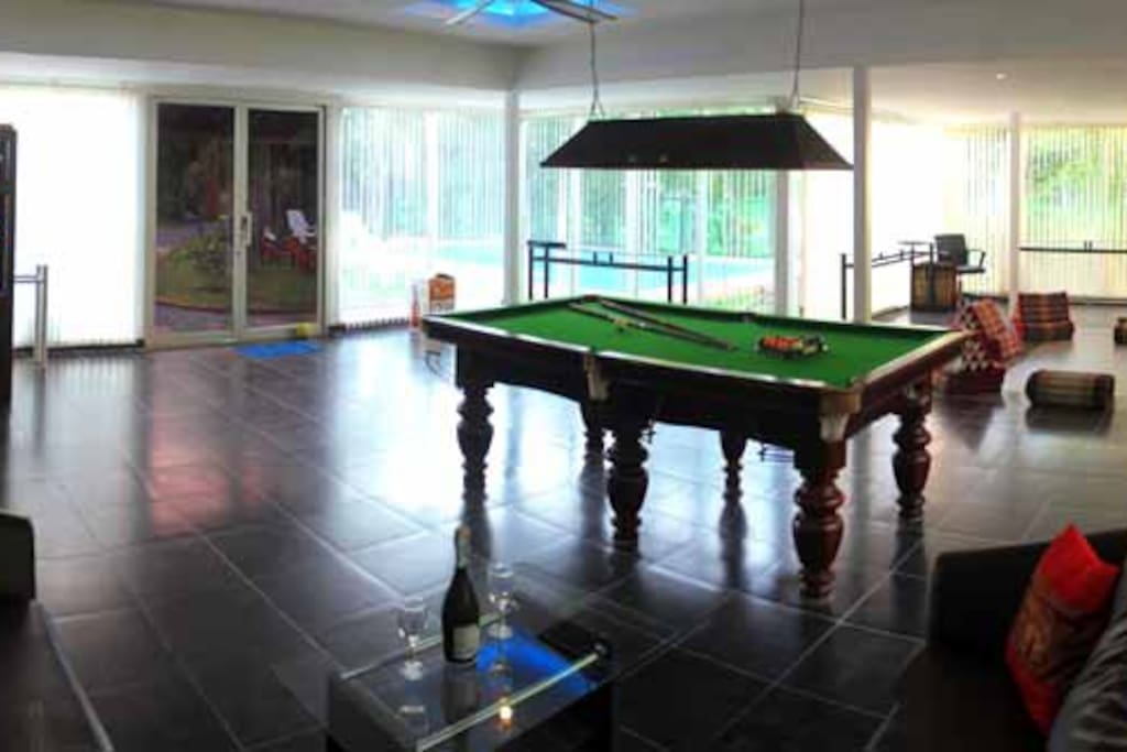 Lounge living room with  pool table