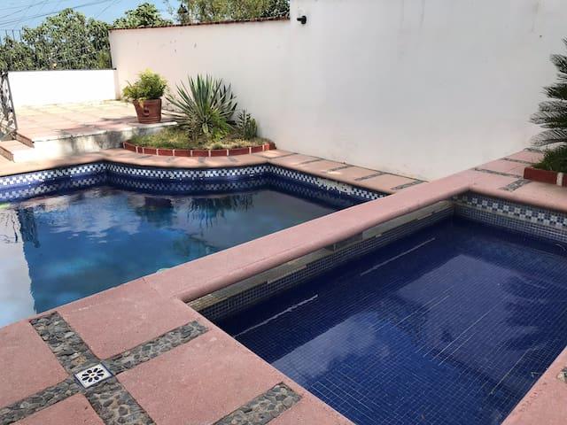 Hermosa Casa en Montetaxco Grande, privada ,segura