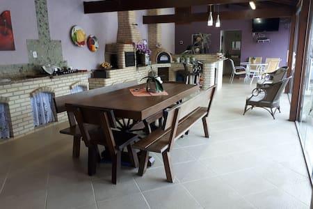 Linda casa  Pé da Serra Guapimirim